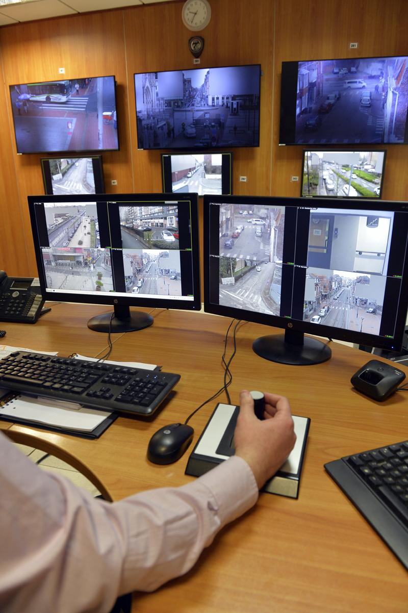 Les opérateurs du nouveau Centre de Surveillance Urbaine sont désormais assermentés pour verbaliser les 11 infractions au code de la route, conformément aux textes en vigueur depuis le 1er janvier 2017.
