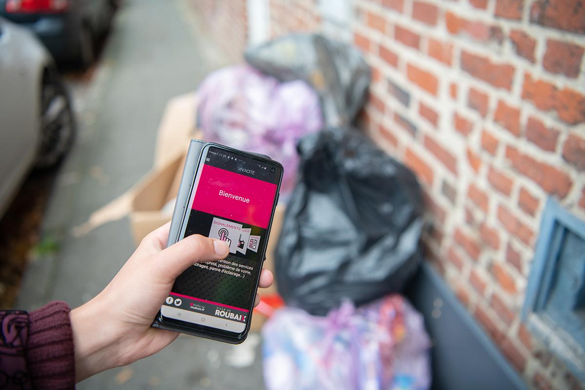 Utilisation de l'application Vivacité dans les rues de Roubaix
