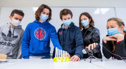 Quatre élèves du lycée Van-der-Meersch inventent l'orgue miniature